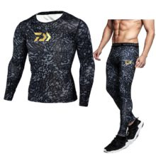 Daiwa Men Thermal Underwear Sets Compression Sweat Quick Drying Thermo Underwear Men Clothing Long Fishing Clothes Sets